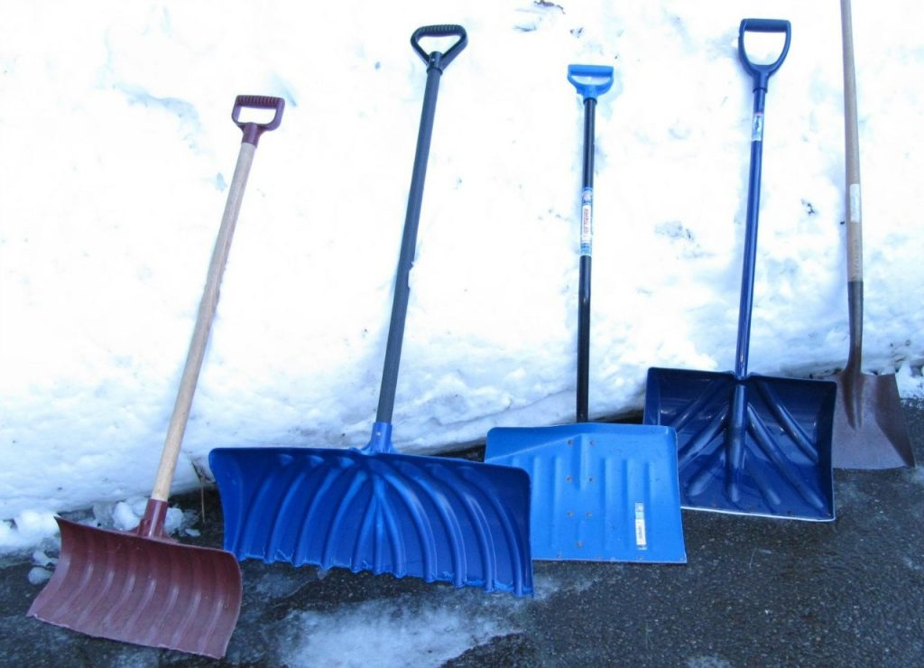 Виды лопат для уборки снега